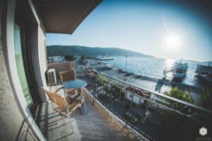 Ξενοδοχείο Ακταίον - θέα μπαλκονιού στο λιμάνι