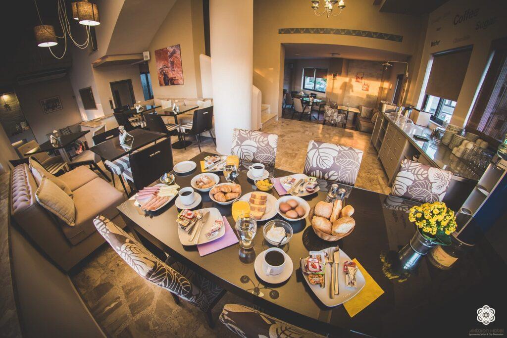 Πρωινό και Καφεδάκι στο Ακταίον